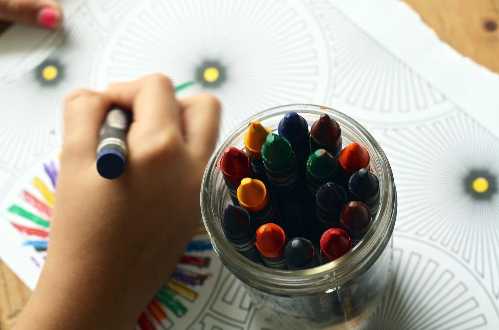 crayons-1445053_1920